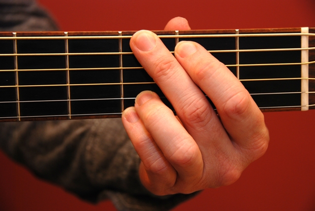 Almost convinced the G chord is impossible! : guitarlessons